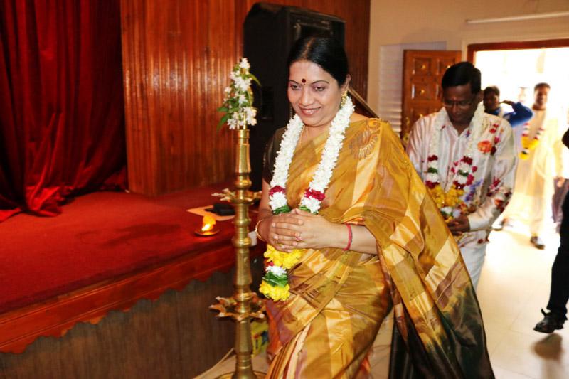 ஸ்ரீமதி ரேவதி கிருஷ்ணாவின் வீணாகான வாத்திய நிகழ்வானவு (1)