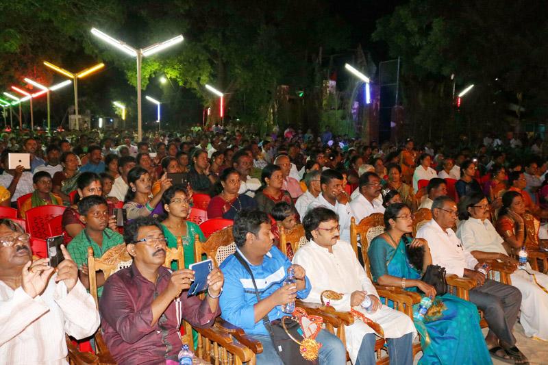 ஸ்ரீமதி ரேவதி கிருஷ்ணாவின் வீணாகான வாத்திய நிகழ்வானவு (2)