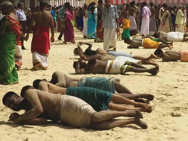 நல்லூர்க் கந்தசுவாமி வருடாந்தப் பெருந் திருவிழா கொடியேற்றத்துடன் ஆரம்பம் (4)