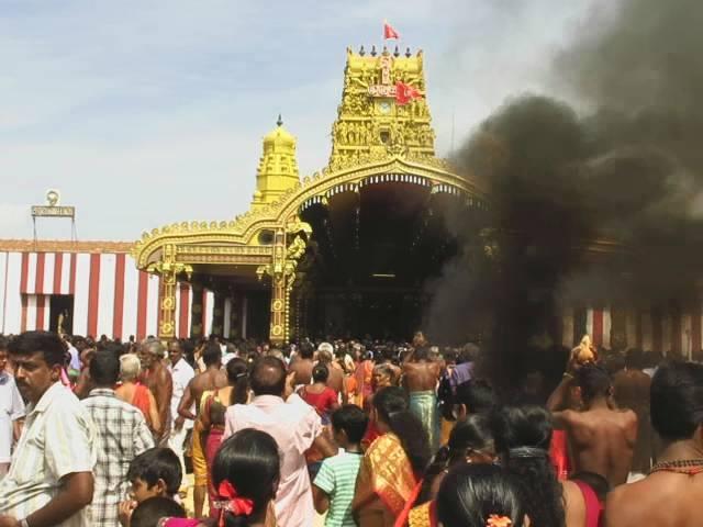 நல்லூர்க் கந்தசுவாமி வருடாந்தப் பெருந் திருவிழா கொடியேற்றத்துடன் ஆரம்பம் (5)