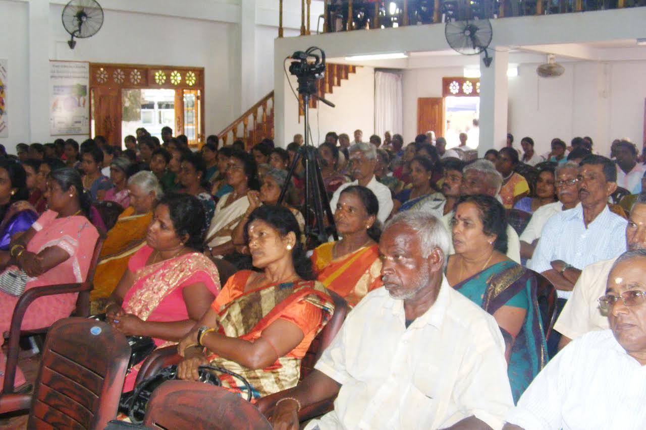விவாதப்போட்டியில் கிளிநொச்சி புனித திரேசா வெற்றி (6)